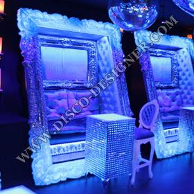 Sofa baroque dans un cadre LED