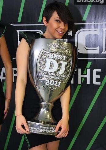 awards-bg-cup