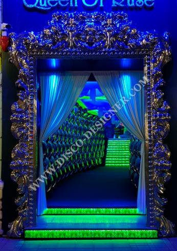 disco entrance